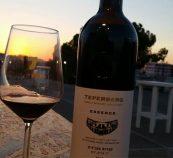 בקבוק וגביע יין טפרברג